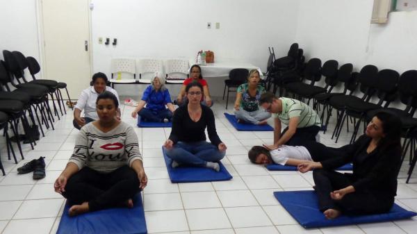Essa prática ajuda a ter uma nova visão sobre o corpo e mente, de maneira mais alinhada com as verdadeiras necessidades.