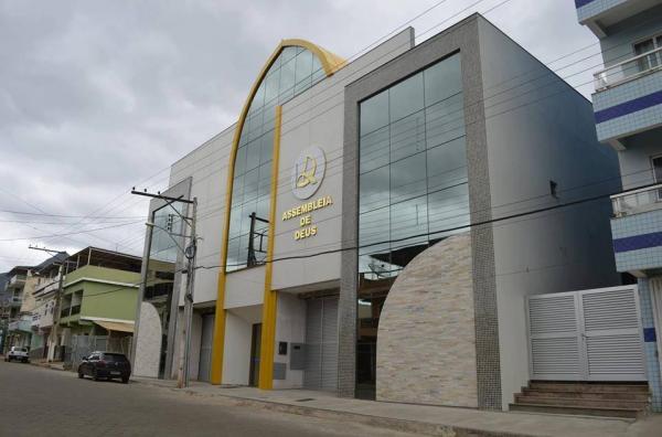Eliane Silva, Anderson Barony irão cantar no congresso de missões na Assembleia de Deus em São João do Manhuaçu