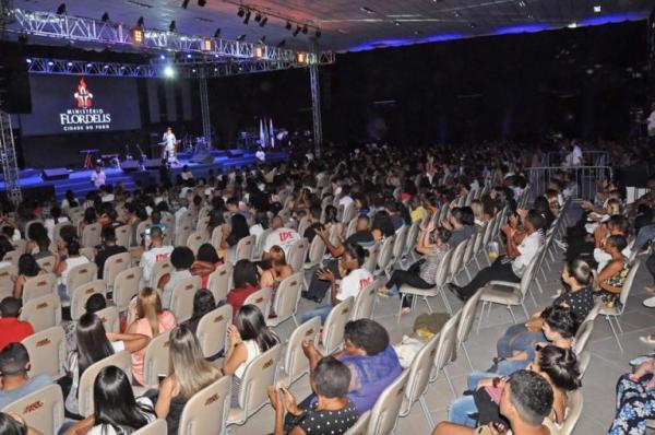 Pastor Lucas, Fernanda Brum, Eyshila e Thalles fecham o CIM