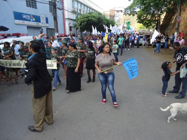 Veja como foi a Marcha para Jesus em Manhumirim