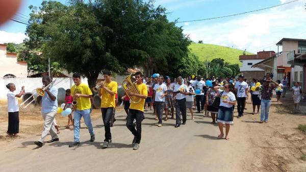 Grupo de religiosos evangelizaram o bairro Lacerdina em Carangola