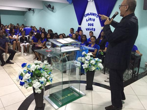 O culto especial contou com presença de vários jovens e convidados, o preletor da noite de encerramento da festa, foi o pastor Jorge Carlos. (foto/Portal Alfavip)