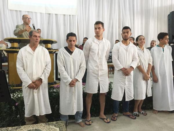 Foram batizadas 31 pessoas, além de todo o apoio que os obreiros, e membros da região deram ao evento.