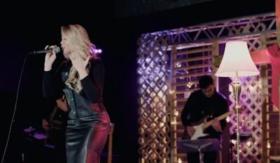 Elaine de Jesus lança releitura da canção