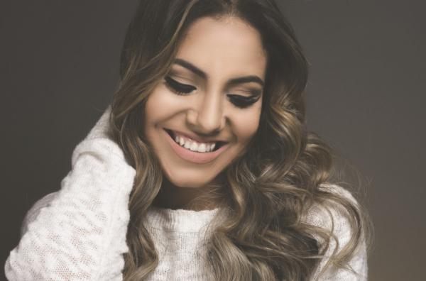 Gabriela Rocha irá cantar na quinta-feira, 20/09. A festa é promovida pelo Governo municipal.