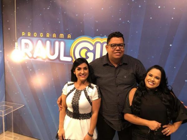 Raul Gil recebe Thiara Lopes, Cassiane e Anderson Freire