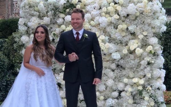 Gabriela Rocha se casa na Itália com Leandro Moreira