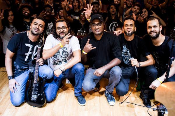 """Banda de rock mineira lança single e videoclipe """"Por Amar Você"""""""