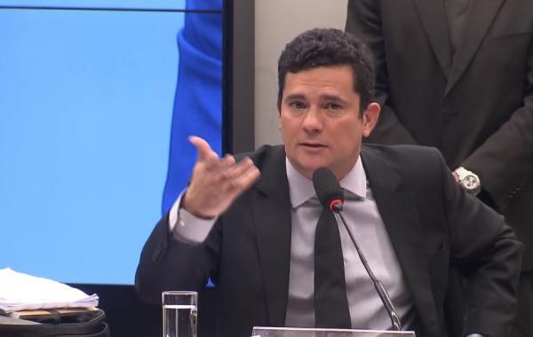 Bolsonaro diz que Moro pediu 'liberdade total' e que não vai interferir no trabalho do ministro