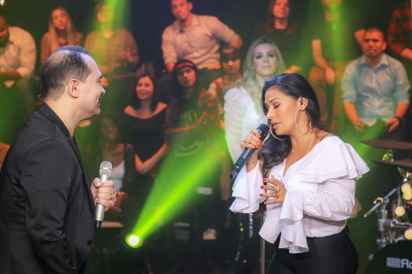 Davi Sacer e Simone, da dupla Simone & Simaria, fazem dueto em clipe que já ultrapassou 13 milhões de views