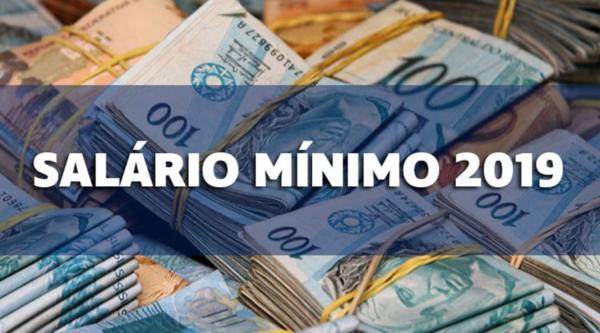 O salário mínimo é usado como referência para os benefícios assistenciais e previdenciários. Bolsonaro tem até o dia 15 de abril para decidir se mantém a regra ou se muda.