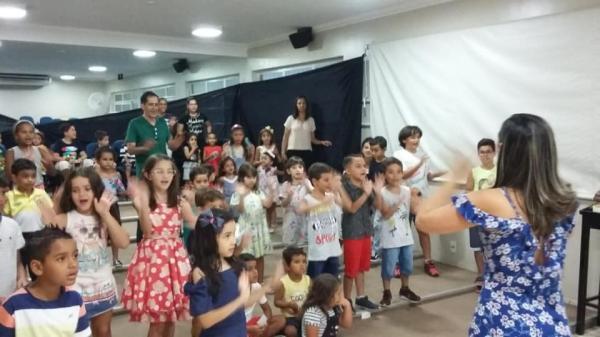 Igreja realizou noite de Cineminha para crianças em Manhuaçu