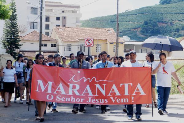Igreja Maranata promovem passeata de evangelização, VEJA O VÍDEO