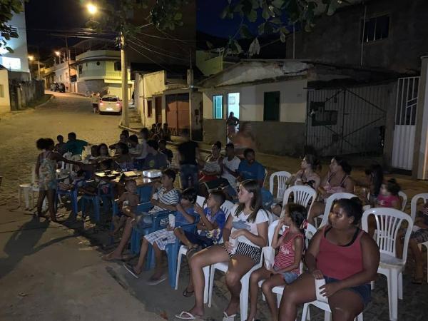Igreja de Carangola leva cinema para crianças