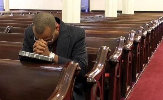 Se você tem um pastor, agradeça a Deus, ore por ele e ame-o!