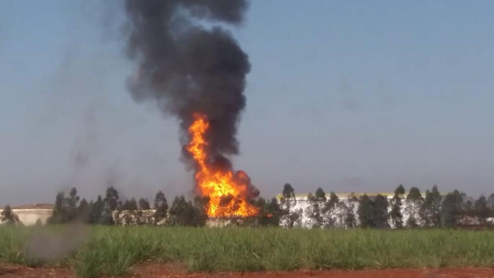 Primeiras informações indicam que a explosão aconteceu por causa de uma falha na tampa do tanque — Foto: Arquivo pessoal