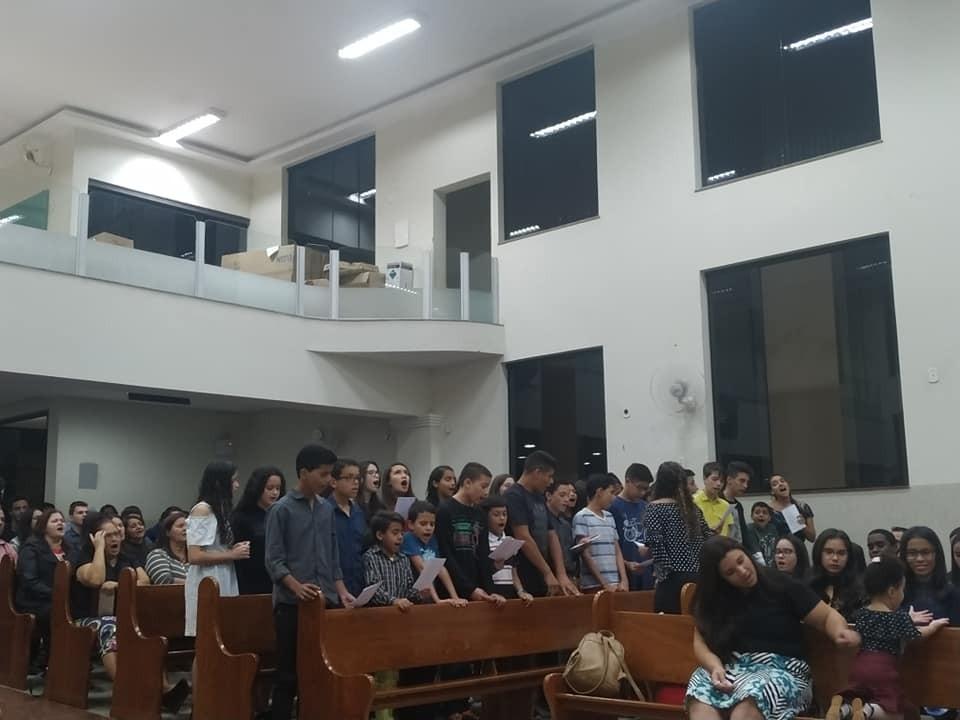Culto da saudade marca noite na Assembleia de Deus em Caratinga