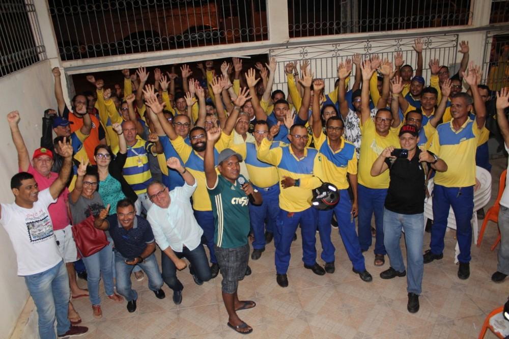 A categoria quer impedir a redução dos salários e de benefícios, e é contra a privatização da estatal, que foi incluída no mês passado no programa de privatizações do governo Bolsonaro.