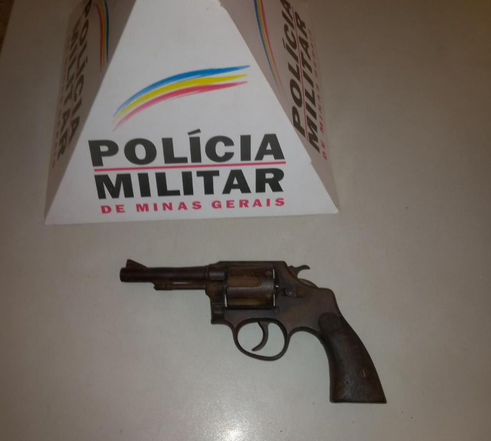 Segundo o autor a arma foi adquirida de um cidadão desconhecido no Município de Manhuaçu.