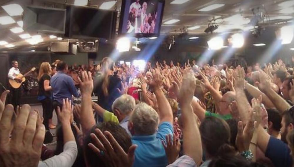 E a prática de ajudar os mais necessitados não é novidade na Worship Center Christian Church.