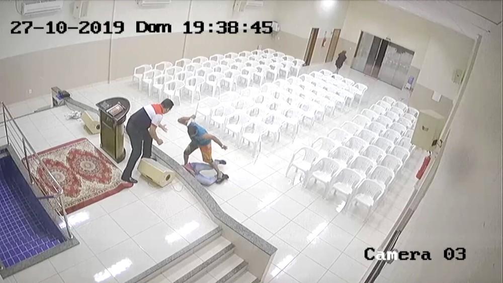 Adolescente morreu na porta da igreja em Palmas — Foto: Reprodução