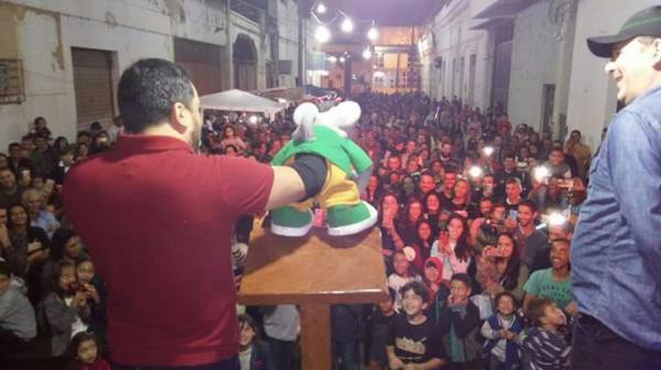 A programação contou com presença do pastor, Eduardo Mascarenhas com seu fantoche, Xaropinho do programa do Ratinho da emissora SBT (foto:Divulgação)