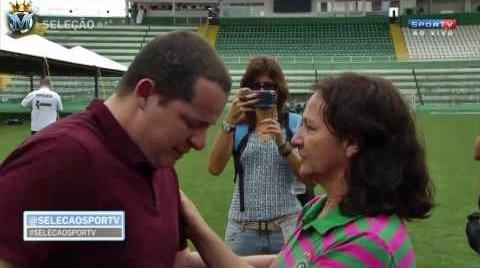Repórter do Sportv chora ao vivo junto com a mãe de Danilo da Chapecoense