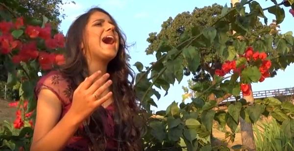 Erica Gomes - La vem o Santo